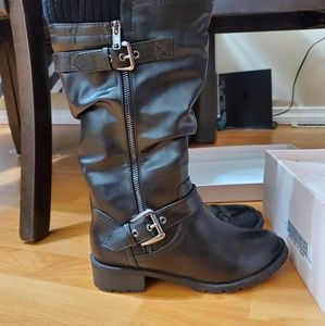 Brand new Taxi boots size 6